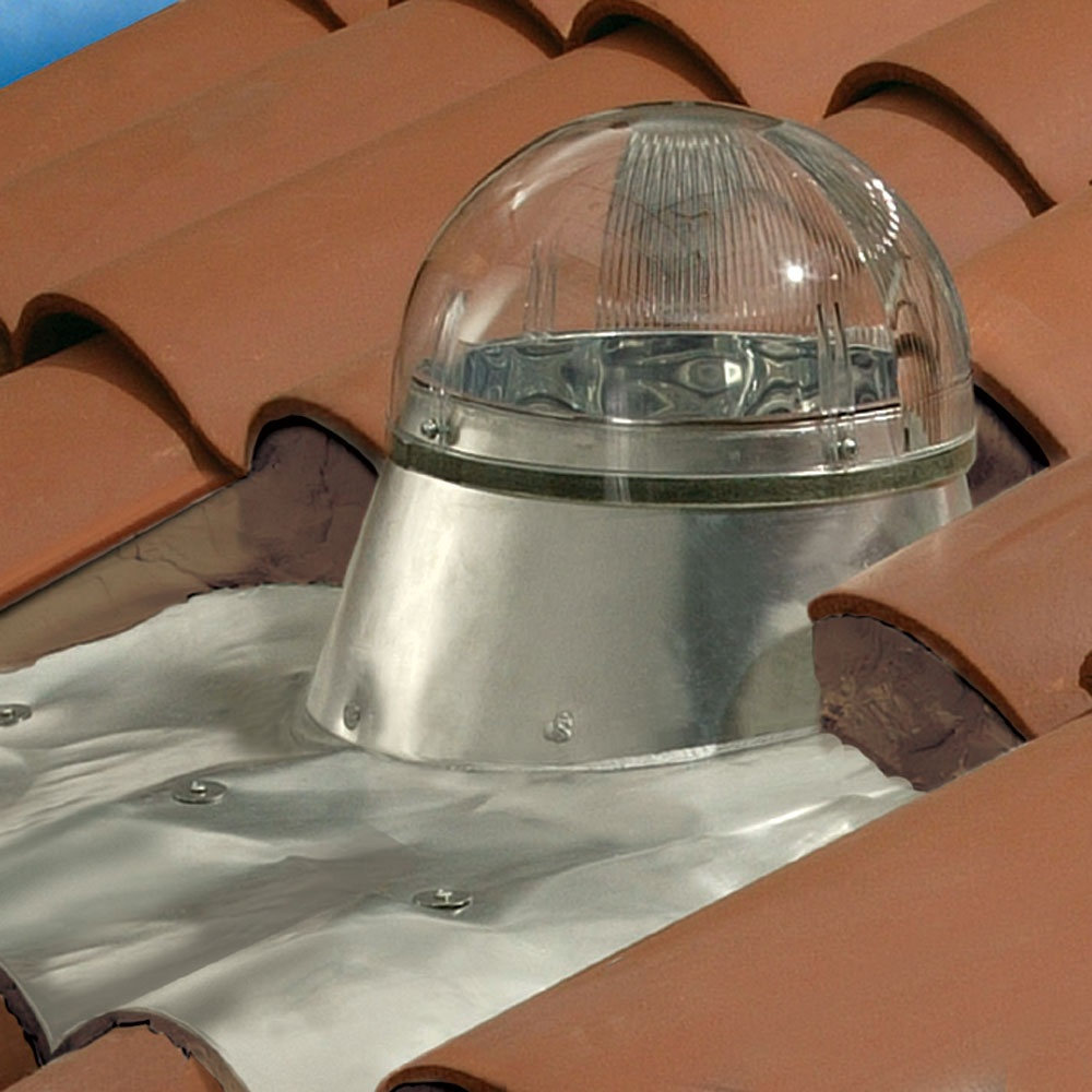 Flat Roof Skirt : Tubular skylight for flat roof